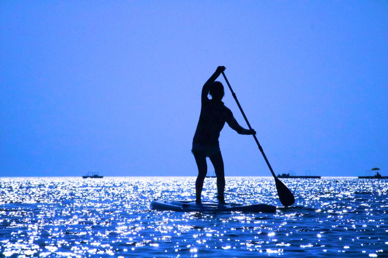 海が輝いて見える小浜島近海でのSUP体験