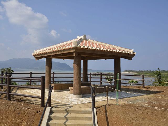 小浜島の海を眺められるカトレ展望台