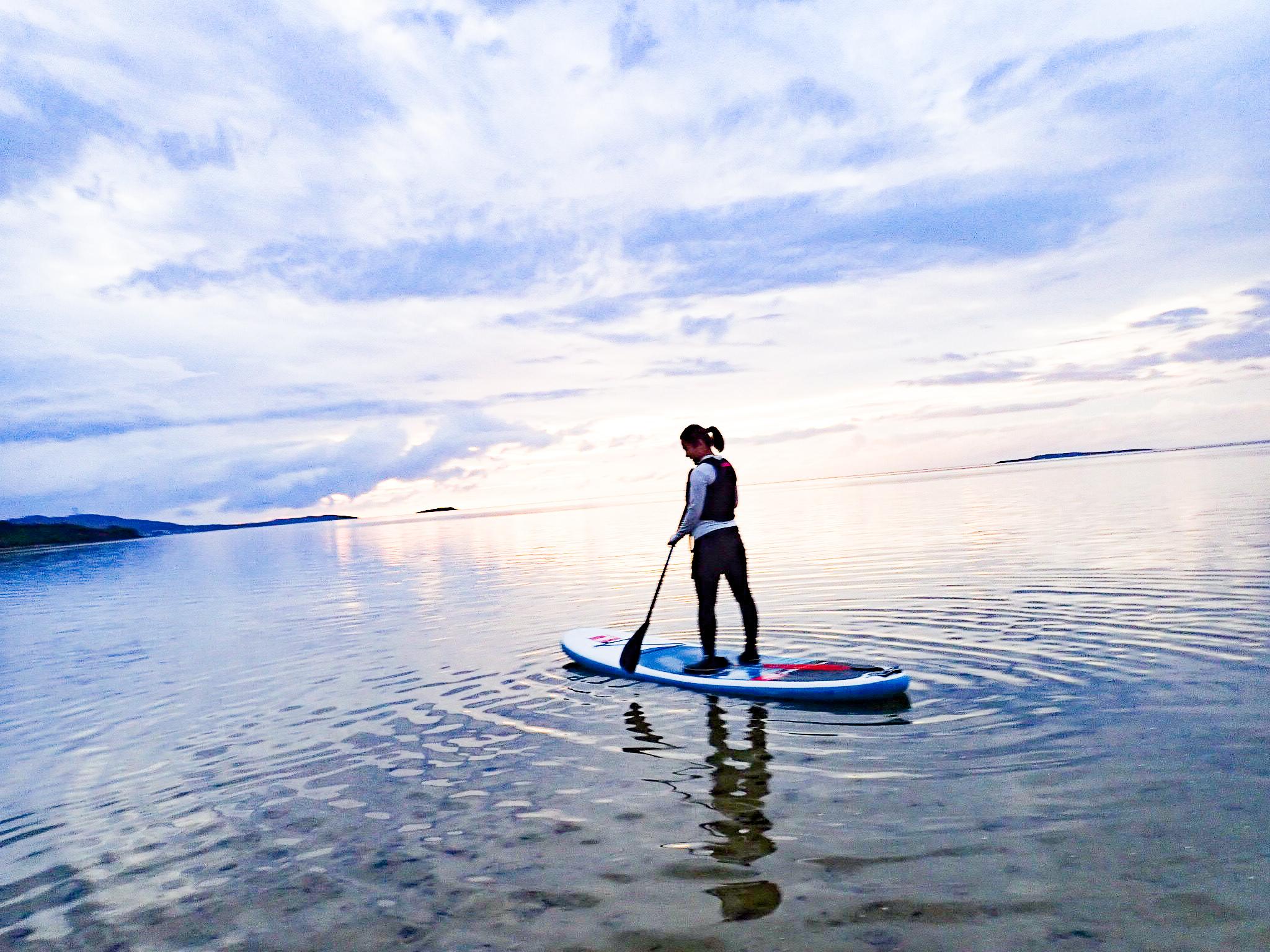 朝焼けが美しい10月の小浜島SUP体験